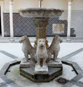 Esplora rocchetta mattei for Finestra rinascimentale disegno